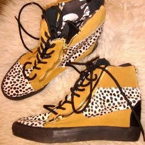Betsey johnson boots